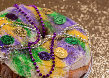 How to Make an Easy King Cake for Mardi Gras