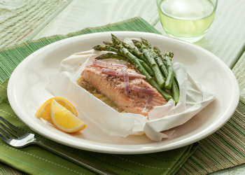 Parchment Baked Salmon with Asparagus and Lemon Recipe