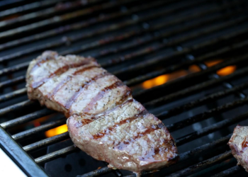 How to Grill the Perfect Steak – 4 Steps to Juicy, Grilled Steak
