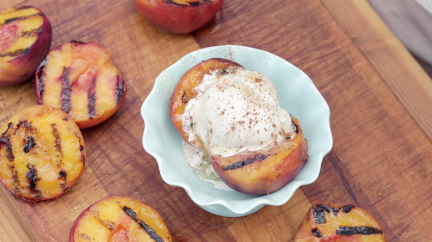 Grilled Peach Sundae