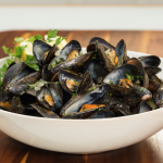 wine steamed mussels