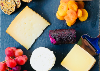 How to Make a Perfect Cheese Board on a Budget