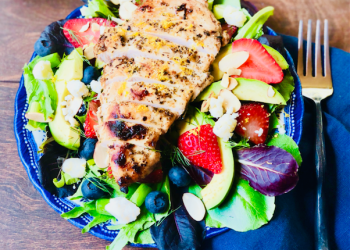 Grilled Chicken Strawberry Field Greens Salad With Lemon Agave Dressing