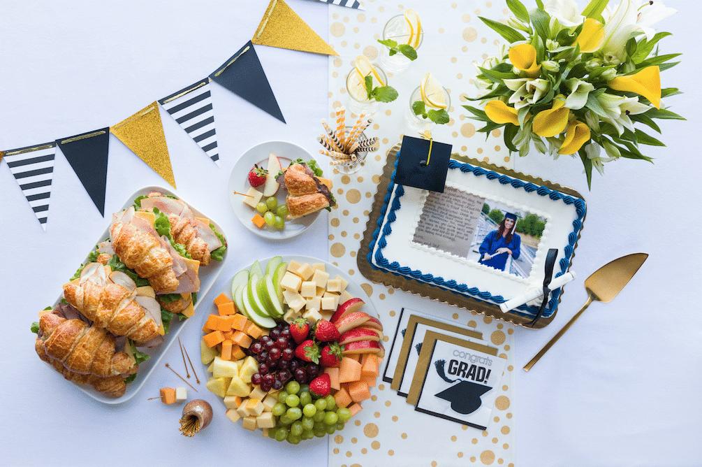 Graduation_Cake_Promotions_Safeway