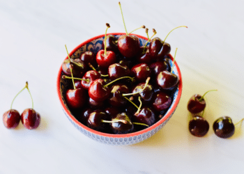 97¢/lb. Northwest Sweet Cherries at Safeway (Save 76%)