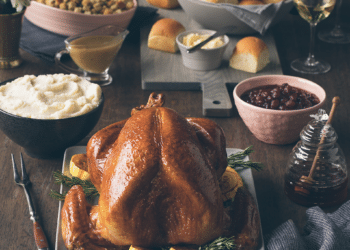 Ordering Prepared Thanksgiving Dinner With Turkey, Mashed Potatoes & Sides from Safeway