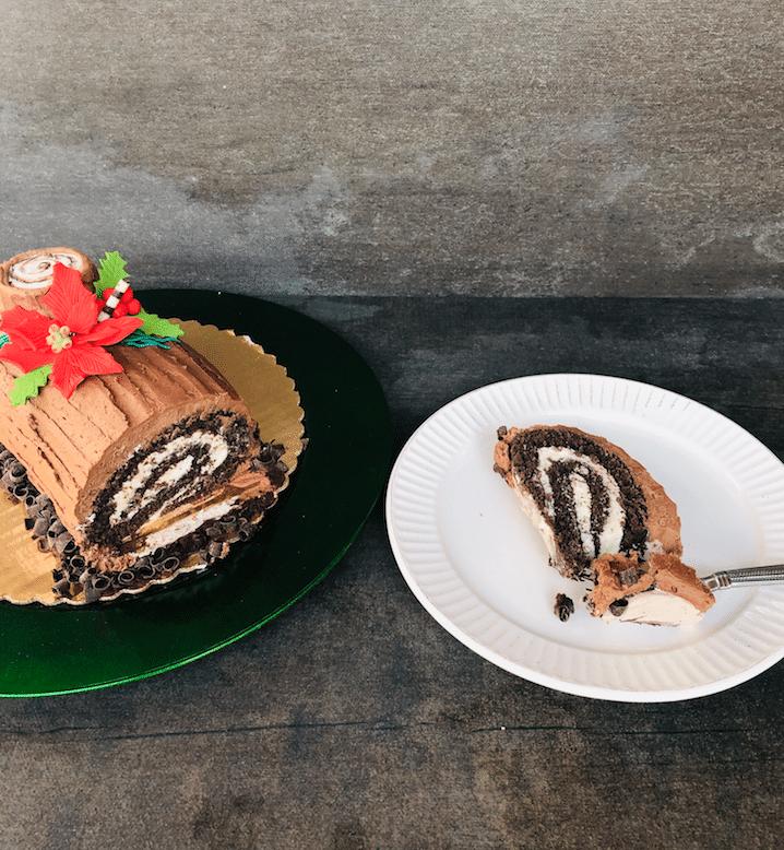sliced_holiday_yule_log_Cake