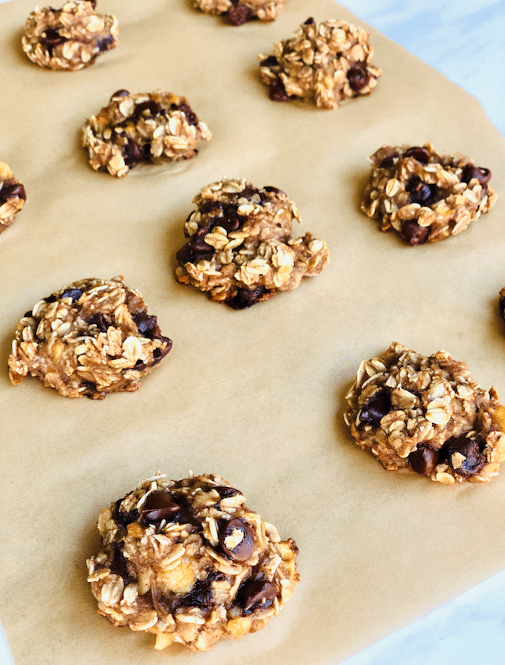 Chewy_Chocolate_Chip_oatmeal_Cookies