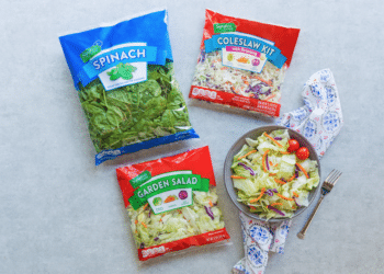 Signature Farms Spinach, Coleslaw and Garden Salads Just $.99 at Safeway