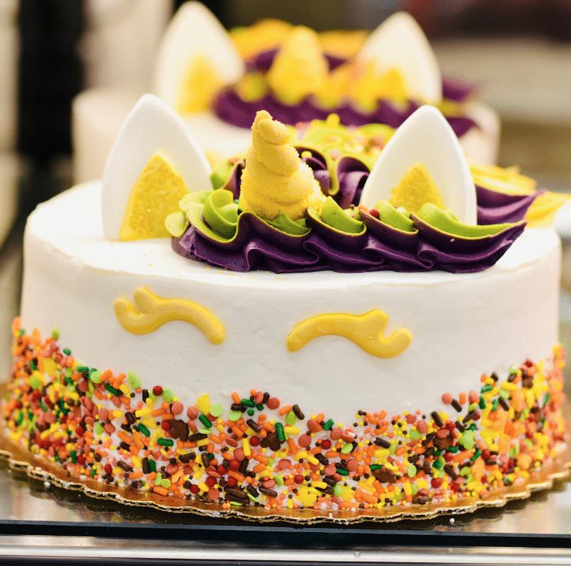 Safeway_unicorn_Cake