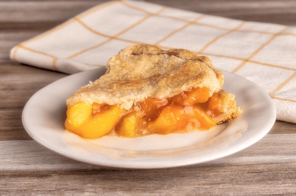 Village_pie_maker_peach_Pie