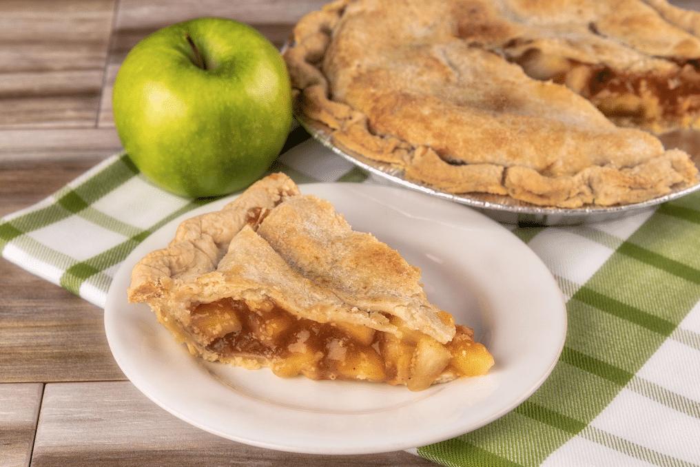 village_pie_maker_apple_pie