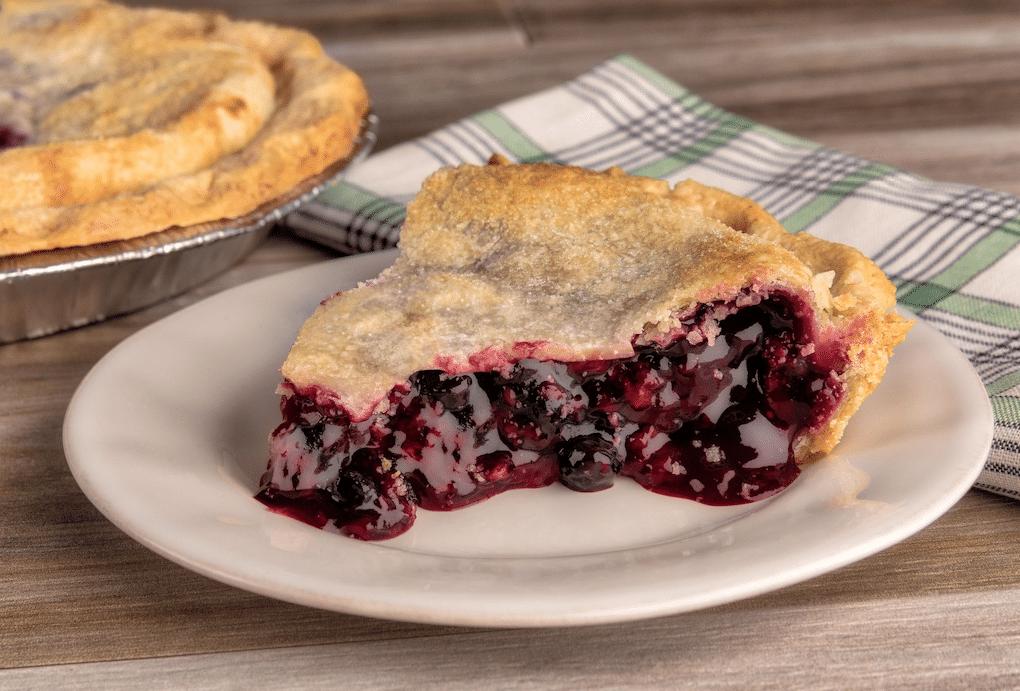 village_pie_maker_berry_medley_pie