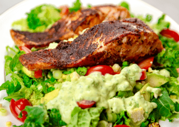 Blackened Salmon Salad With Creamy Avocado Quark Dressing