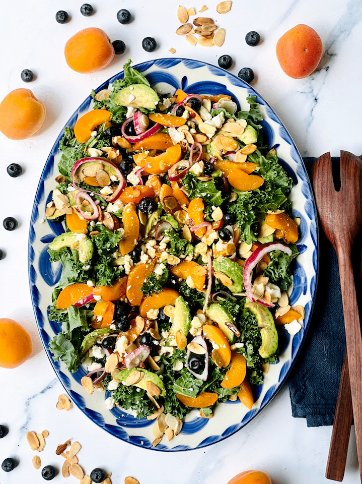 kale_Salad_With_Salmon_Avocado