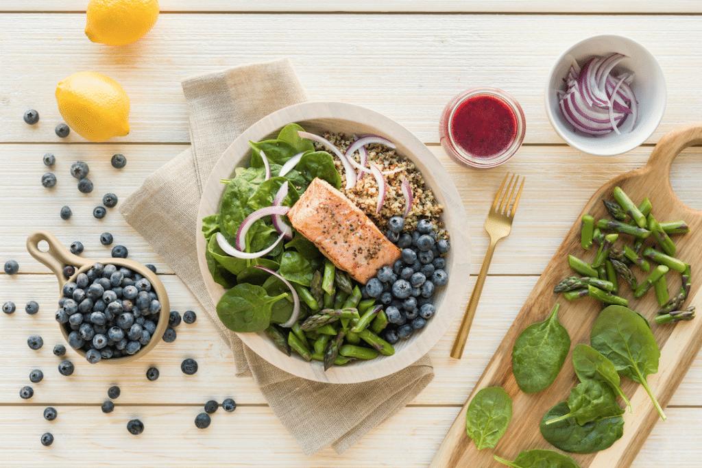 blueberry_and_Salmon_Quinoa_bowl_Recipe