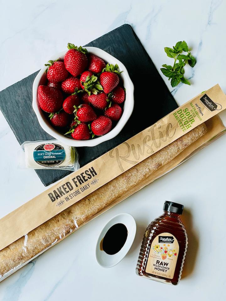 strawberry_bruschetta_Goat_Cheese_Crostini_ingredients