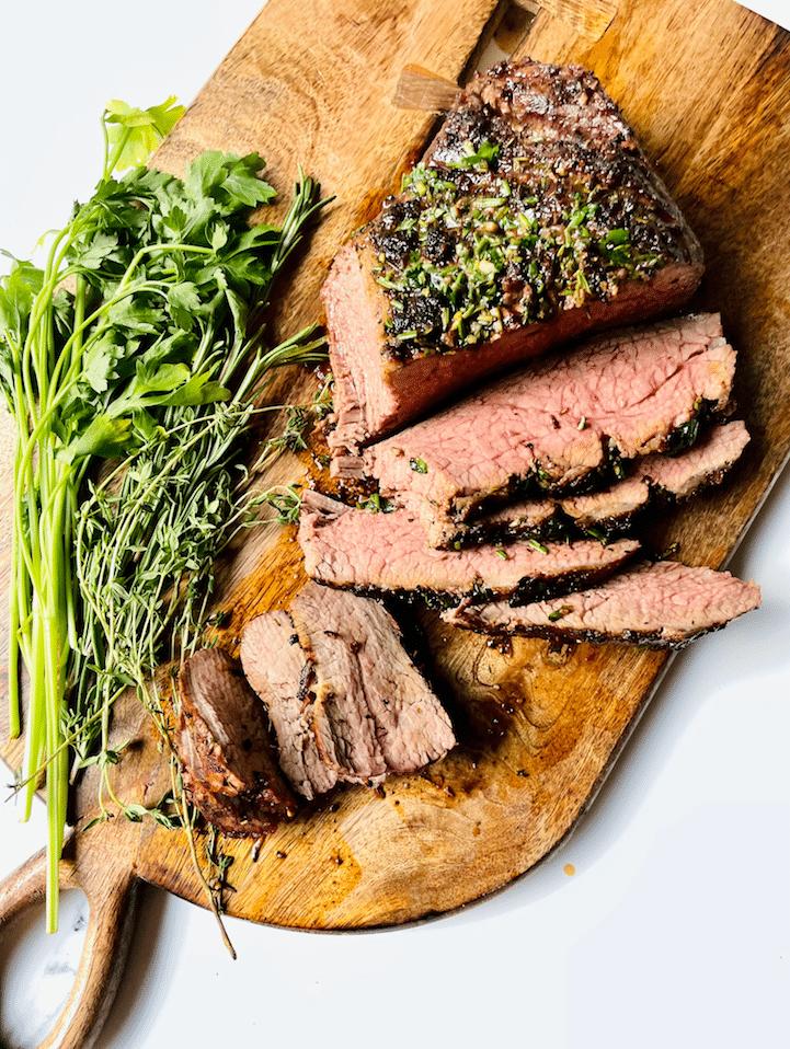 cutting_tri_Tip_Steak